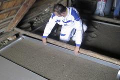 2 - Stiahnutie suchého podsypu pomocou lát