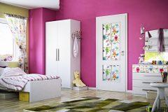 Dvere Swing majú dve sklené výplne opatrené digitálnou potlačou, cena 580 eur, www.sapeli.sk