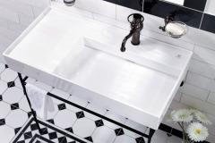 Vybavenie v industriálnom štýle je prosté, minimalistické, nechýbajú ostré hrany a priame línie (SIKO)