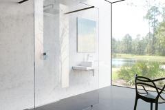 Priestranný a vzdušný model Walk-in Free. Vďaka použitiu jedinej pevnej steny umožňuje vstup do sprchovacieho priestoru z oboch strán (RAVAK)