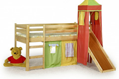 FLO je fantastická poschodová posteľ vybavená šmýkačkou a bezpečné miesto na hranie. Pevná konštrukcia je z jelše alebo borovicového dreva, cena: 236,08 eur, www.babymall.sk