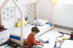 Domček s posteľou Tery značky Benlemi sa vyrába z lepenej fínskej borovice, na výber je viac rozmerov, cena od 289 eur, www.bonami.sk