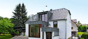 TÉMA: Nový domov pod strechou