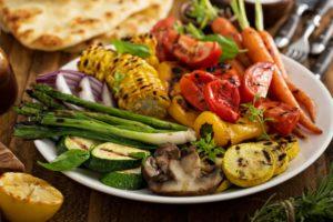 Keď grilujú vegetariáni: Viete správne pripraviť zeleninu na gril?
